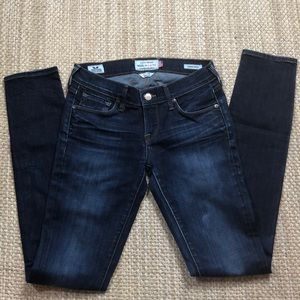 🍀 NWOT LUCKY JEANS / CHARLIE SKINNY